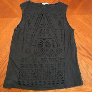 Black cut out design muscle tee